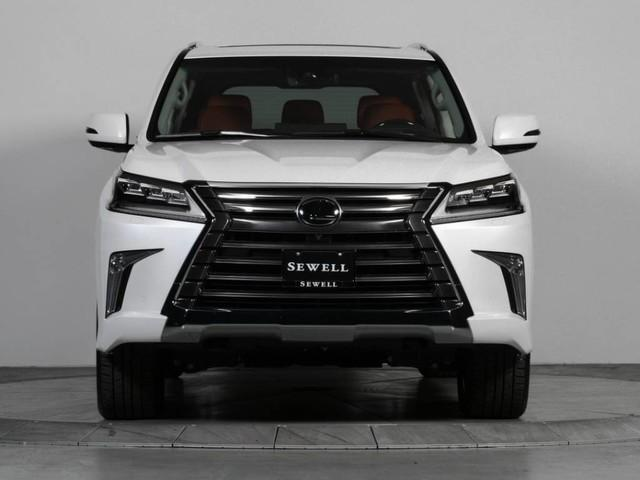 URGENT Selling My Use 2017 Lexus lx570 GCC Specs