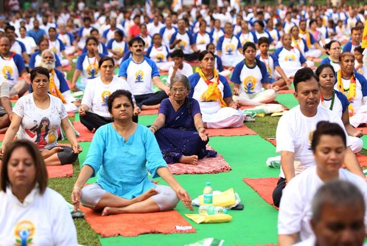 /media/k2/galleries/62302/Yoga-Day-at-Iacrf-Hall1