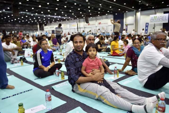 /media/k2/galleries/62302/Yoga-Day-at-Iacrf-Hall3