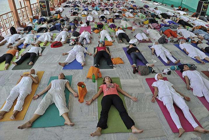 /media/k2/galleries/62302/Yoga-Day-at-Iacrf-Hall4