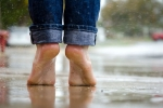 How to Take Care of Foot in monsoon, feet in monsoon, 4 steps to follow to keep your feet neat and clean in monsoon, Winter