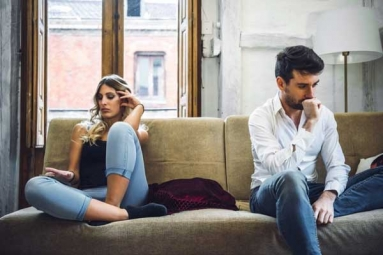 6 Obvious Signs That Your Partner Isn't Interested in Marriage