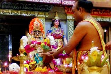 Aadi Pooram Sri Visalakshi Abhishekam