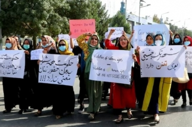 Afghans Protest Against Pakistan: Taliban Open Fire
