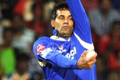 IPL scandal 2013: Ajit Chandila gets life ban, Hiken Shah gets five-year ban},{IPL scandal 2013: Ajit Chandila gets life ban, Hiken Shah gets five-year ban