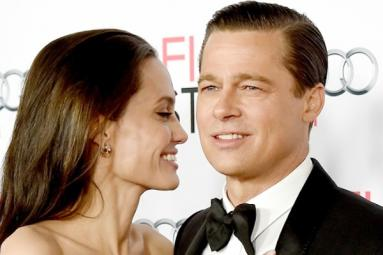 Angelina Jolie files for divorce from Brad Pitt!
