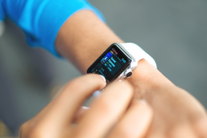 Apple Watch Helps U.S. Doctor to Detect Deadly Heart Condition of a Person