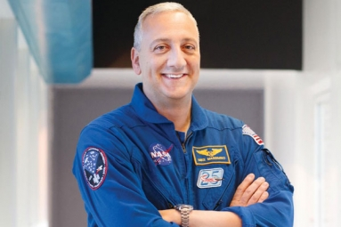 Astronaut who tweeted from space spoke with students in Tempe