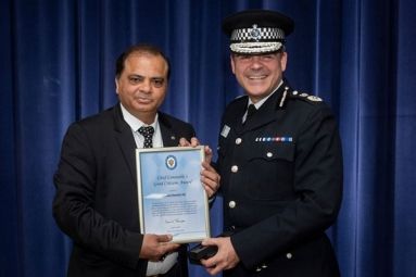 Indian Origin Jeweler Awarded for Bravery During Robbery in Birmingham