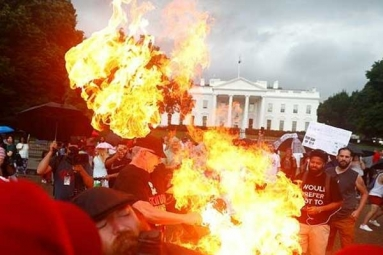 2 Protesters Arrested for Burning U.S. Flag Outside White House on American Independence Day