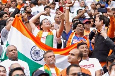 Narendra Modi Urges Indian Diaspora to Help Boost Tourism