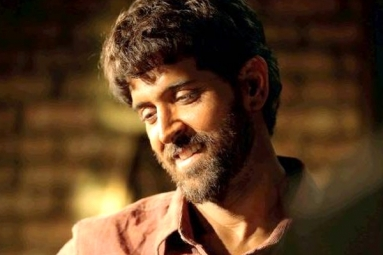 First Look: Hrithik Roshan turns Anand Kumar