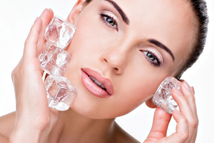 6 Ways to Use Ice Cubes to Enhance Your Skin