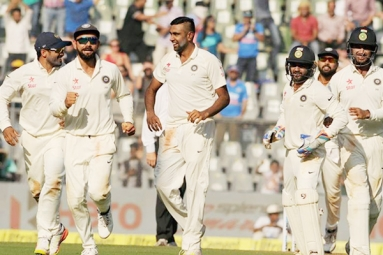 India clinches series, win 4th test by an innings and 36 runs