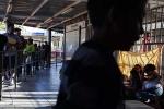 Arizona City, migrants, arizona city strives to handle mass release of migrant families, Yuma