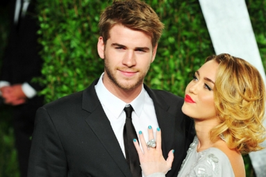 Miley Cyrus Gets Married to Liam Hemsworth in an Intimate Ceremony