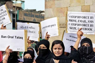 Triple Talaq: NRI Divorces Wife over Phone, Case Filed