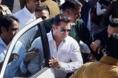 Salman Relieved from Arms Case