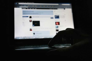 Amid Security Breach Facebook Users Now Panic Over Hoax Messages