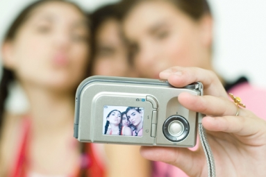 Analysis on selfies become very rich data source},{Analysis on selfies become very rich data source