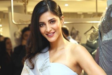 Shruti Haasan to Romance Ravi Teja