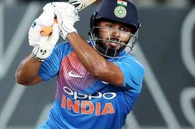 Sunil Gavaskar Backs Rishabh Pant To Play As Opener