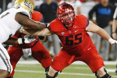 University of Arizona offensive lineman dies in his sleep!