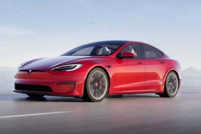 Tesla to Launch Electric Hatchback without a Steering Wheel