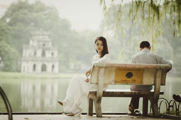 How pessimism in a relationship negatively affects it?