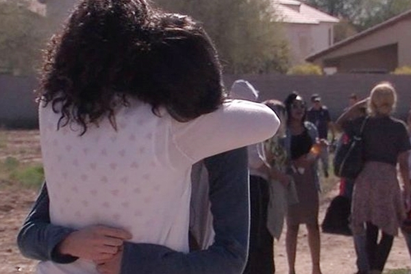Two girls shot dead at Arizona High School},{Two girls shot dead at Arizona High School