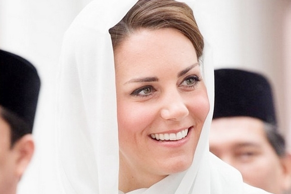 Six face trial in France over topless photos of British royal Kate!