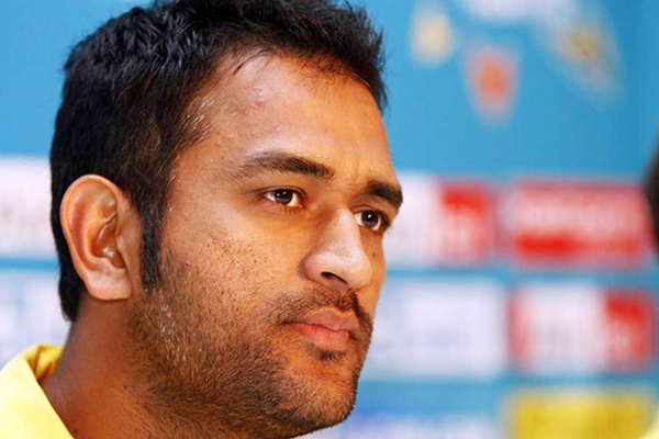 MS Dhoni looses cool on retirement question},{MS Dhoni looses cool on retirement question