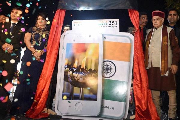 Why Freedom 251 is Aam Aadmi's iPhone? },{Why Freedom 251 is Aam Aadmi's iPhone?