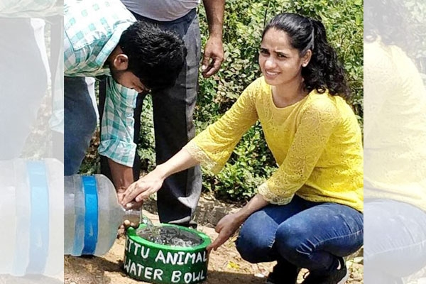 Meet Durga Sura, an NRI Striving to Serve Water for Stray Animals and Birds This Harsh Summer
