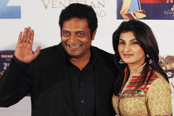 Actor Prakash Raj celebrates birth of son},{Actor Prakash Raj celebrates birth of son