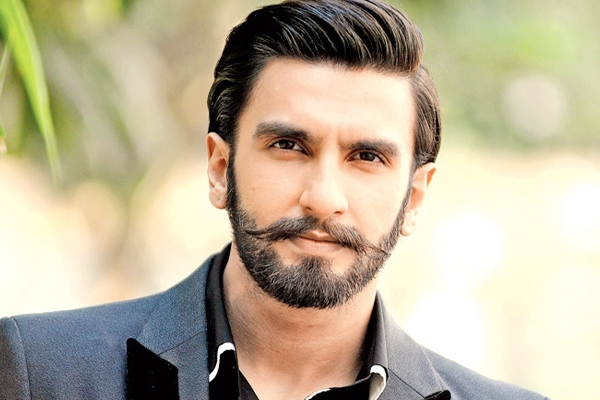 Ranveer Singh Signs a New Film},{Ranveer Singh Signs a New Film