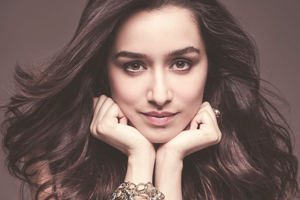 Shraddha Kapoor Receives Flak for Sporting Native American War Bonnet