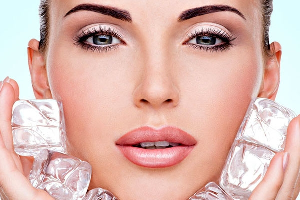 Skin and Beauty Benefits of Ice Cubes